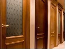 Из каких материалов изготавливают межкомнатные двери?